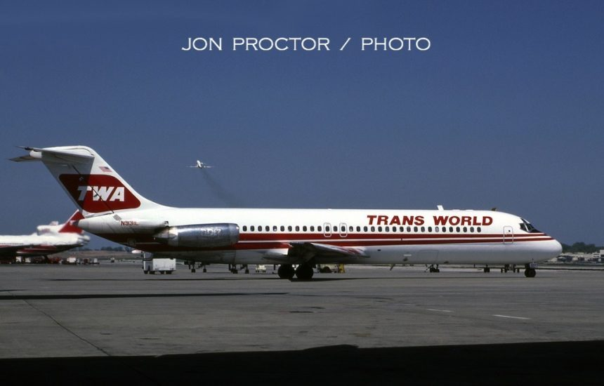 1987-04-27 DC-9-32 N931L STL 4:24:87