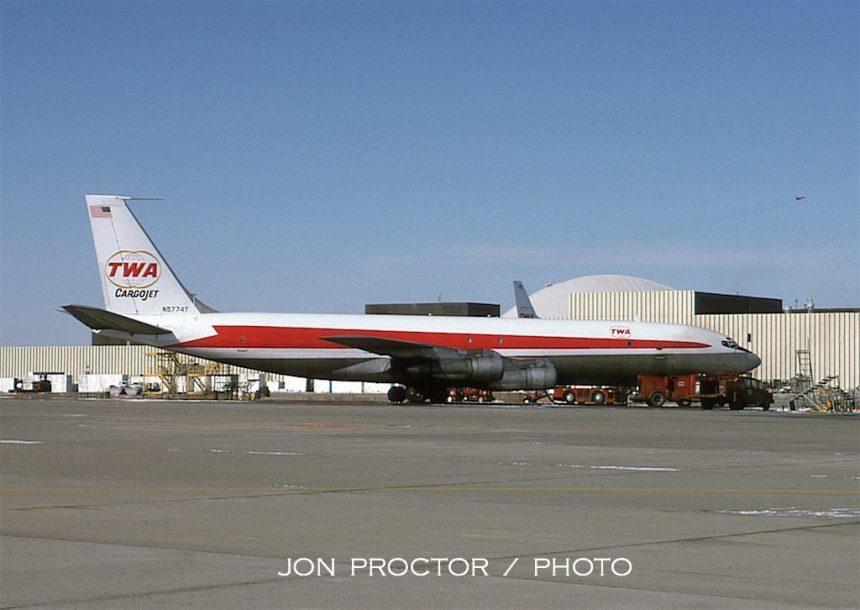 707-331c-n5774t-mci-02-06-1975-jp