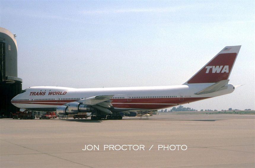 747-156-n133tw-mci-62180