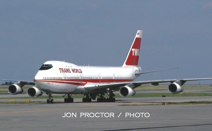 747-156-N134TW-STL-71185-860x532