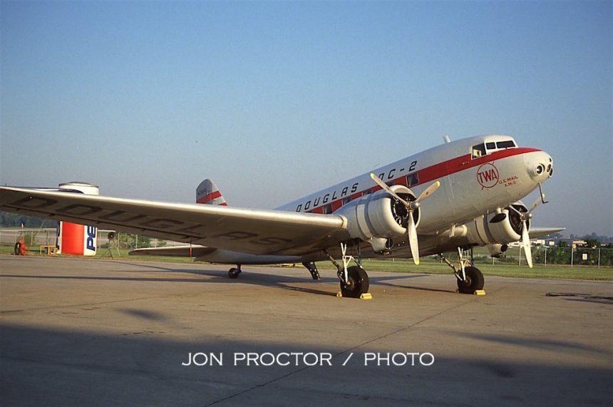 DC-2 N1946D STL 09-10-1994