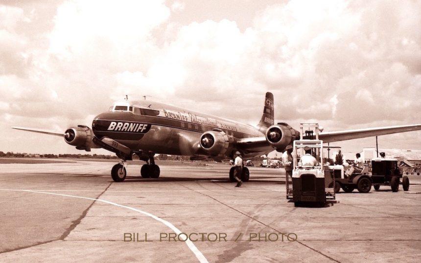 DC-6 N90883 DAL 8:50 Bill Proctor-7312367