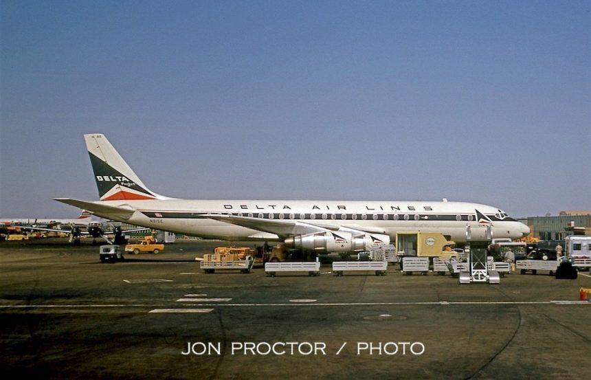 DC-8-51 N815E DAL 02-13-1965