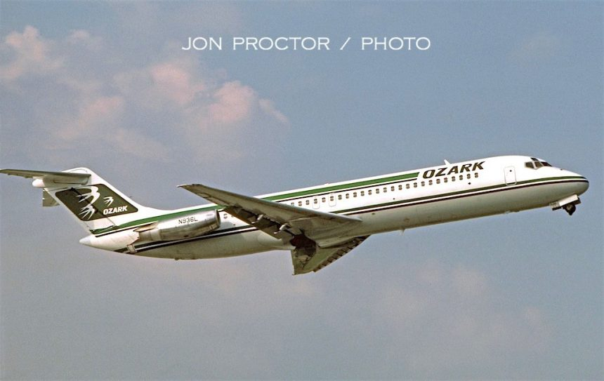 DC-9-34 N936L STL 4:12:85