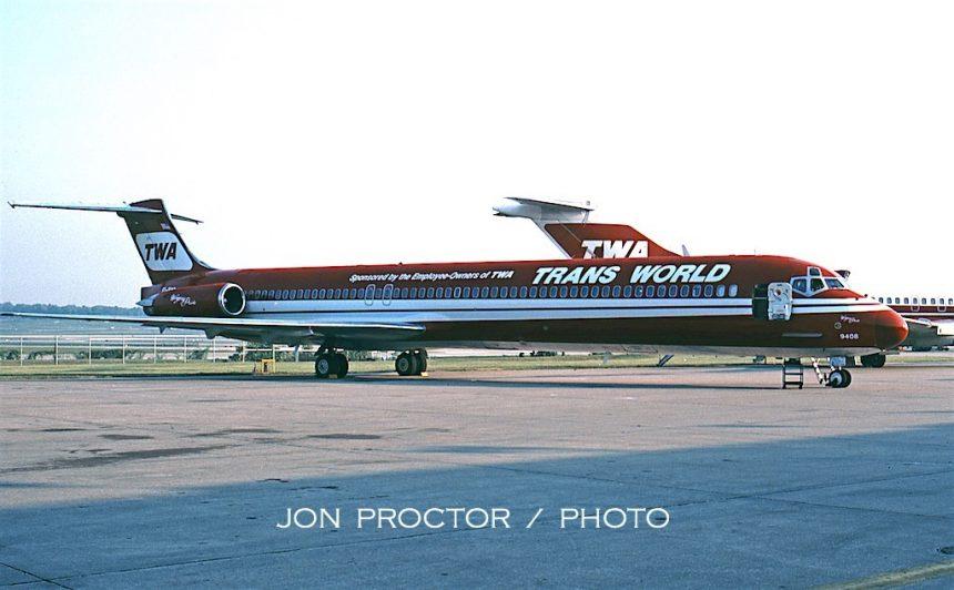 DC-9-83 EI-BWD STL 9:11:94